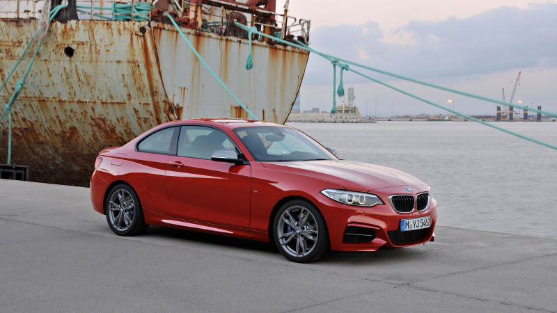 2016 10Best Ô tô: BMW M235i
